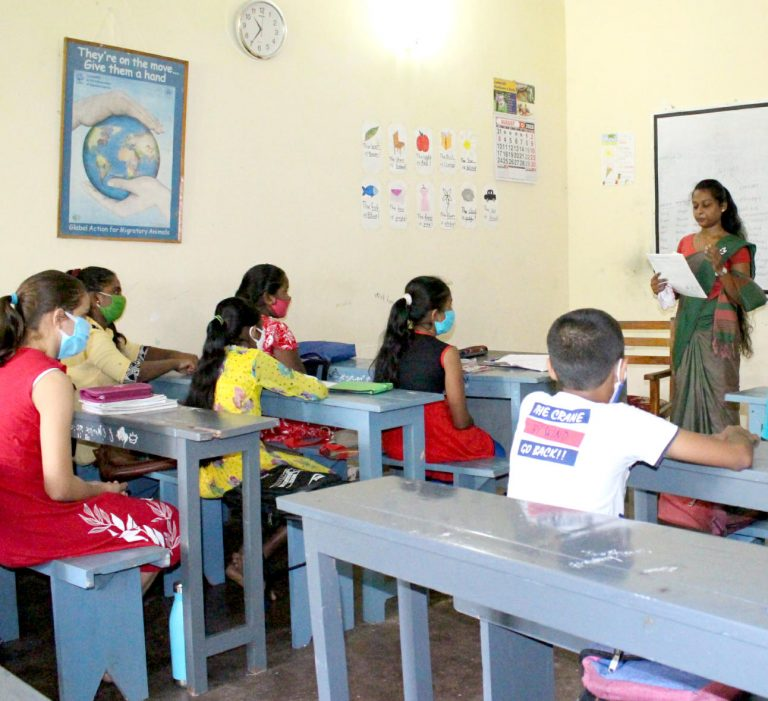 LOTUS fördert Bildung für Kinder in Sri Lanka – Englischunterricht im Bildungszentrum EDC